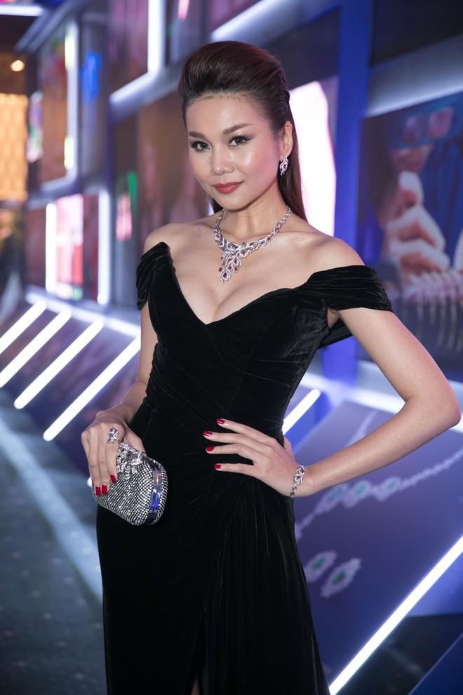Thanh Hằng, Bảo Anh gợi cảm trên thảm đỏ - Ảnh 2.