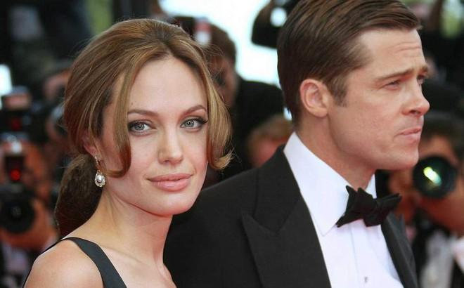 """Brad Pitt sợ Angelina Jolie sẽ """"gây sự"""" nhưng vẫn muốn ở bên các con"""
