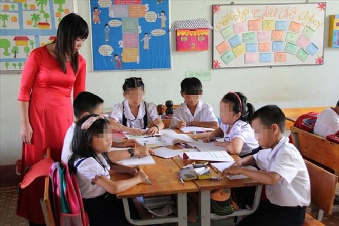 Bộ Giáo dục Đào tạo đề xuất bỏ chính sách miễn học phí cho sinh viên sư phạm - Ảnh 1.