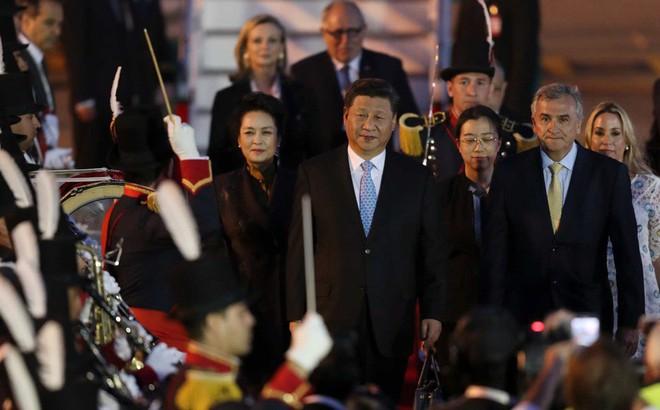 G20 Argentina: Ông Tập Cận Bình được đón tiếp rầm rộ còn TT Donald Trump thì không