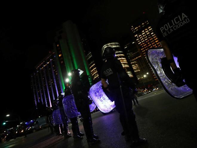 G20 Argentina: Ông Tập Cận Bình được đón tiếp rầm rộ còn TT Donald Trump thì không - Ảnh 11.