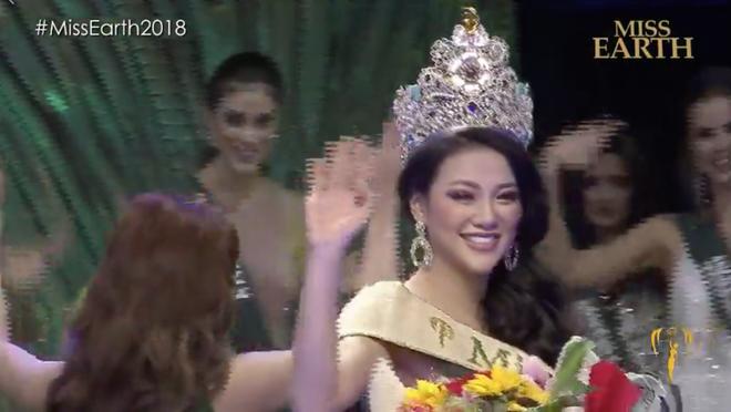 Khác với Phương Khánh, Hoa hậu Mexico gặp sự cố hài hước ngay khi được trao vương miện - Ảnh 7.