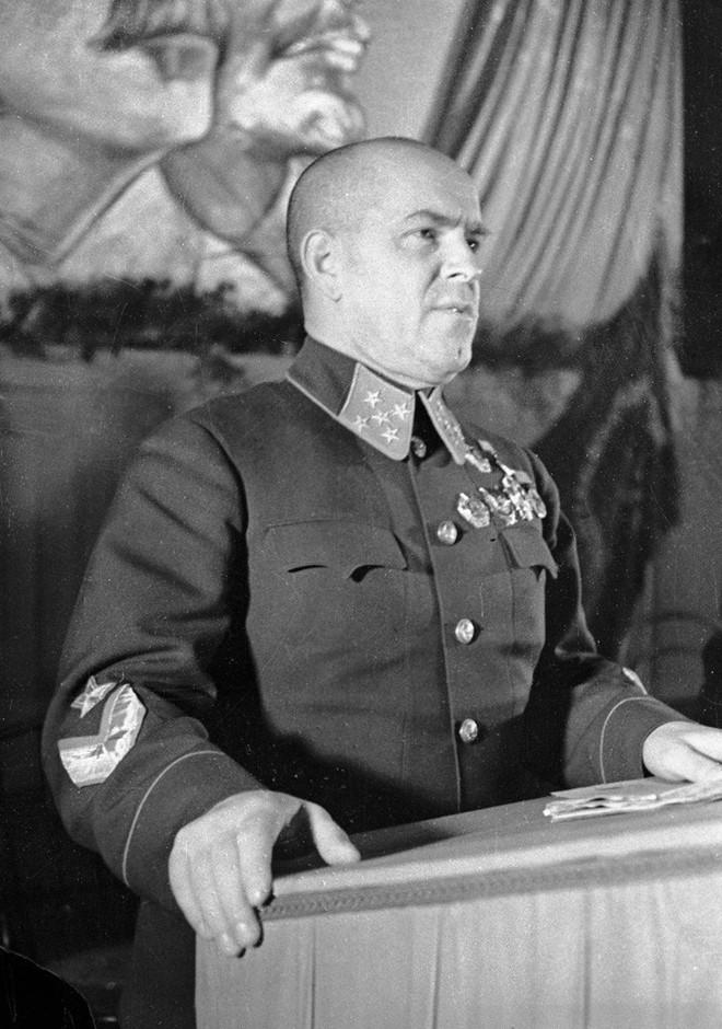 Nguyên soái Zhukov - Danh tướng khiến cả TG ngưỡng mộ bất ngờ rơi vào bẫy và bị làm nhục - Ảnh 1.