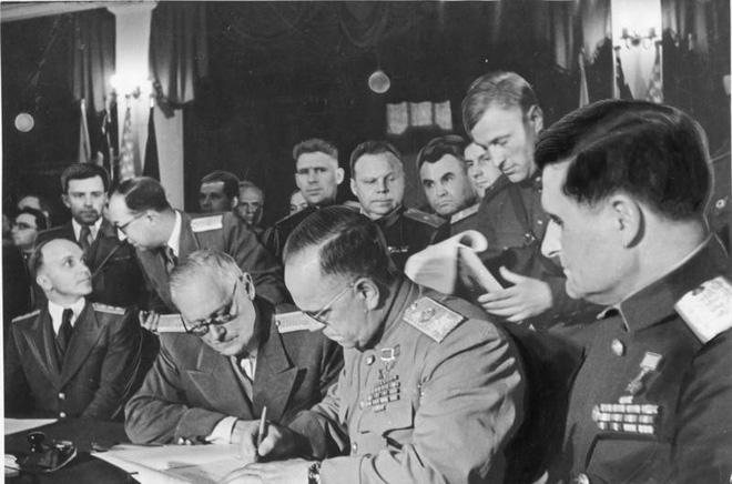 Nguyên soái Zhukov - Danh tướng khiến cả TG ngưỡng mộ bất ngờ rơi vào bẫy và bị làm nhục - Ảnh 3.