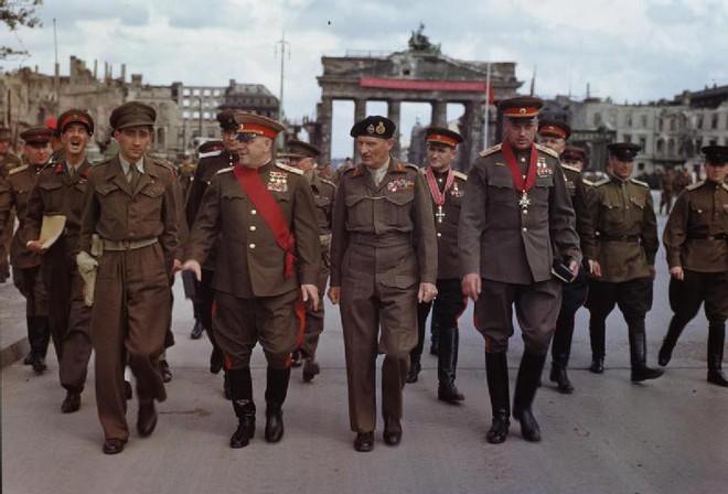 Nguyên soái Zhukov - Danh tướng khiến cả TG ngưỡng mộ bất ngờ rơi vào bẫy và bị làm nhục - Ảnh 4.