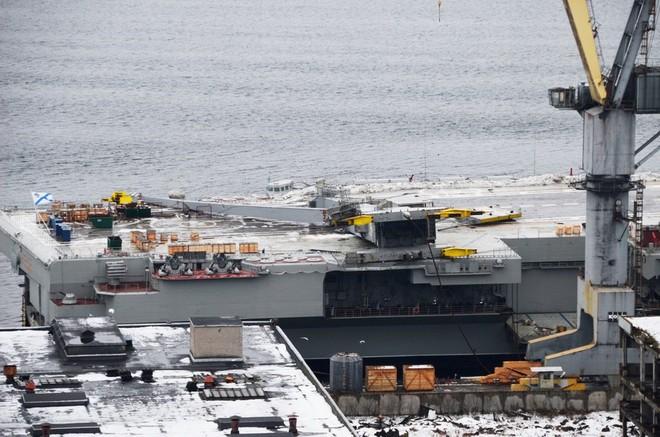 Nga không giấu diếm ảnh tàu sân bay duy nhất bị hư hại sau tai nạn bất ngờ - Ảnh 4.
