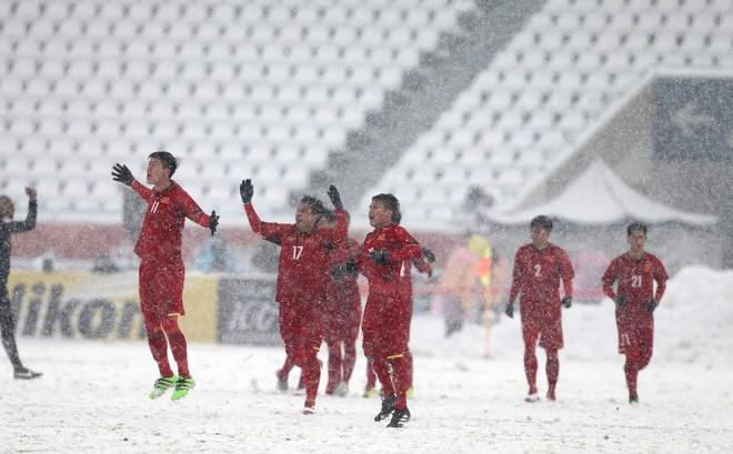 Trong một nền bóng đá tử tế, khác biệt giữa Công Phượng & Quang Hải chính là Công Vinh - Ảnh 4.