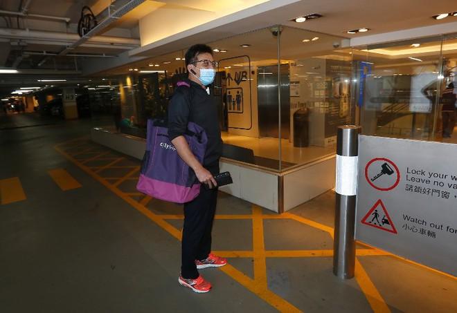 Kiều Phong Huỳnh Nhật Hoa tiều tụy vì ngày đêm chăm sóc vợ mắc bệnh ung thư - Ảnh 1.