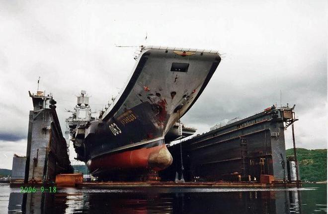 Tàu Kuznetsov gặp thảm họa, tuy không chìm nhưng lại giáng xuống Hải quân Nga đòn đau nhất - Ảnh 4.