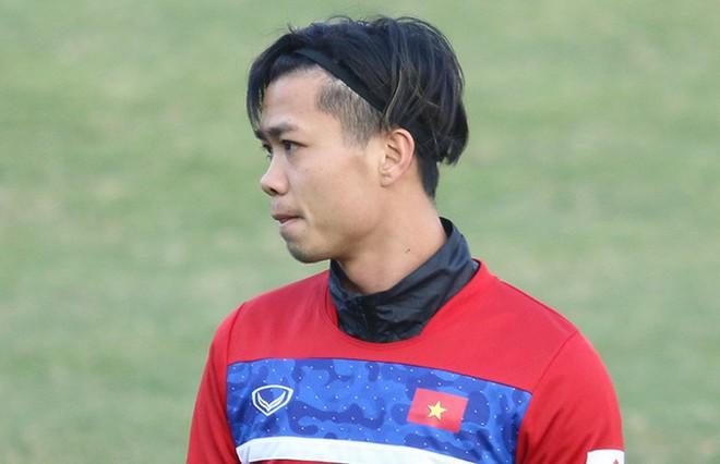 Điệu đà chẳng kém gì Pogba, Công Phượng khiến fan quay như chong chóng với các kiểu tóc - Ảnh 8.