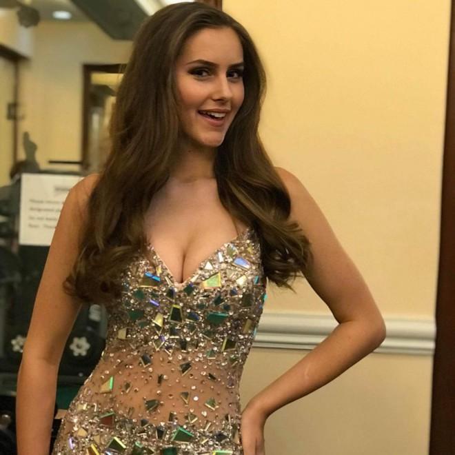 Sau nghi án mua giải của Phương Khánh, đến lượt người đẹp Canada tố bị quấy rối tình dục ở Miss Earth - Ảnh 7.