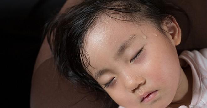 Bác sĩ Viện Dinh dưỡng chỉ ra sai lầm của bố mẹ khiến con thấp còi vì thiếu canxi - Ảnh 1.