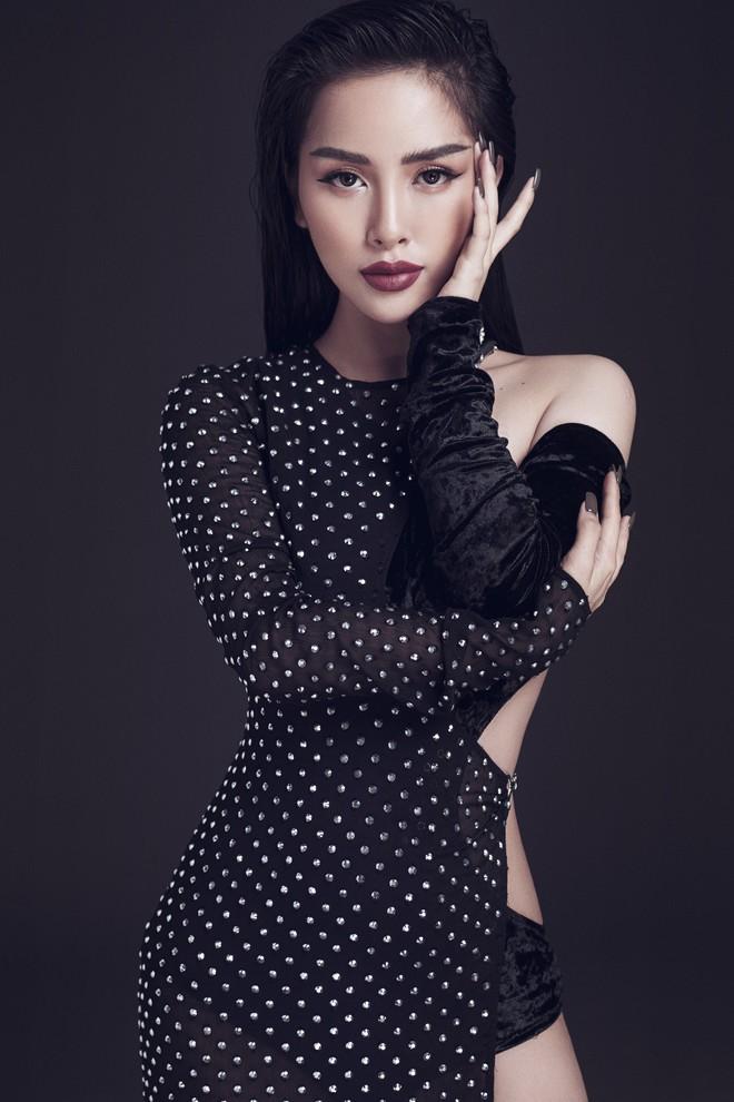 Trang Pilla khoe ảnh mới, dân tình giật mình vì quá giống Hoa hậu Tiểu Vy - Ảnh 4.