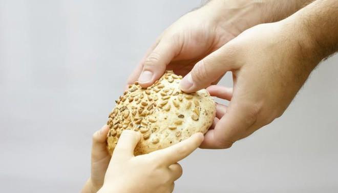 Những nghi thức trong ăn uống bạn cần biết trước khi đi du lịch vòng quanh thế giới - Ảnh 8.