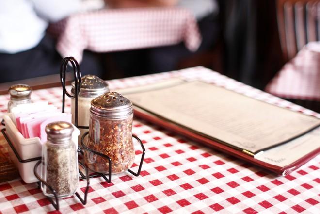 Những nghi thức trong ăn uống bạn cần biết trước khi đi du lịch vòng quanh thế giới - Ảnh 9.