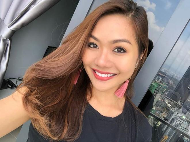 Bỏng mắt ngắm dàn bạn gái là MC, diễn viên của tuyển Malaysia - Ảnh 7.