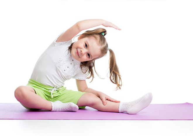 8 lợi ích tuyệt vời của Yoga cho trẻ em: Sự thay đổi tuyệt vời từ thể chất đến tâm trí - Ảnh 2.