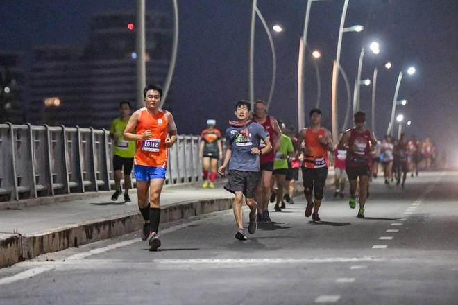 Giải Marathon quốc tế TP.HCM Techcombank 2018 thu hút gần một vạn người tham gia - Ảnh 1.