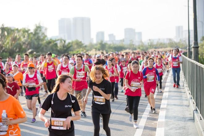 Giải Marathon quốc tế TP.HCM Techcombank 2018 thu hút gần một vạn người tham gia - Ảnh 2.