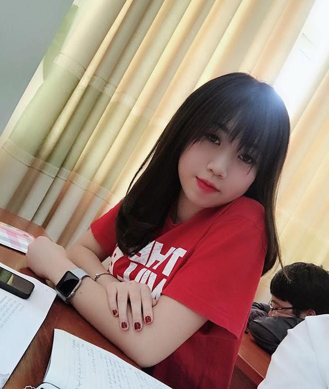 Bất ngờ với dung mạo 3 cô em gái của dàn cầu thủ Việt, em gái Công Phượng dậy thì thành công không tin nổi - Ảnh 11.
