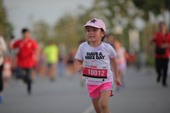 Giải Marathon quốc tế TP.HCM Techcombank 2018 thu hút gần một vạn người tham gia - Ảnh 3.