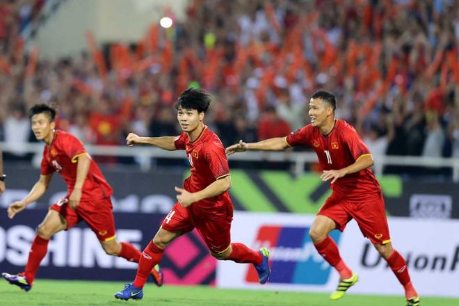 Mẹ cầu thủ Phan Văn Đức dặn con chơi máu lửa, ghi bàn thắng quyết định vào lưới Malaysia - Ảnh 5.