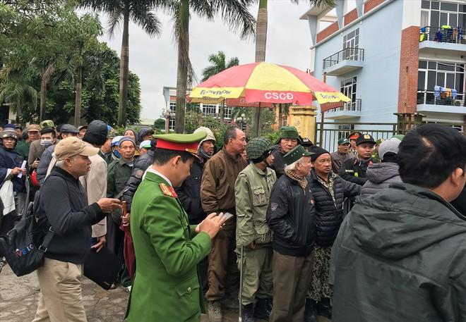 Những người xưng là thương binh muốn đối chất với Phó Chủ tịch VFF - Ảnh 4.