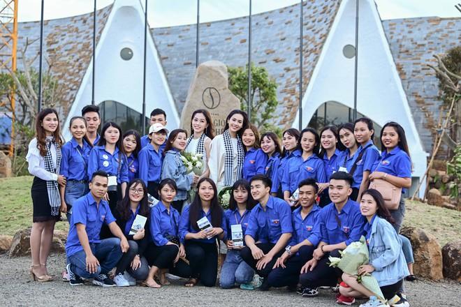 Á hậu Phương Nga, Hoàng My giao lưu với sinh viên tại Bảo tàng thế giới cà phê - Ảnh 6.
