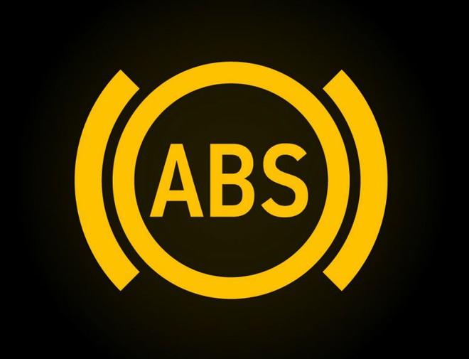 15 biểu tượng đèn cảnh báo trên ô tô không phải ai cũng biết: Đọc để biết cách xử lý - Ảnh 6.