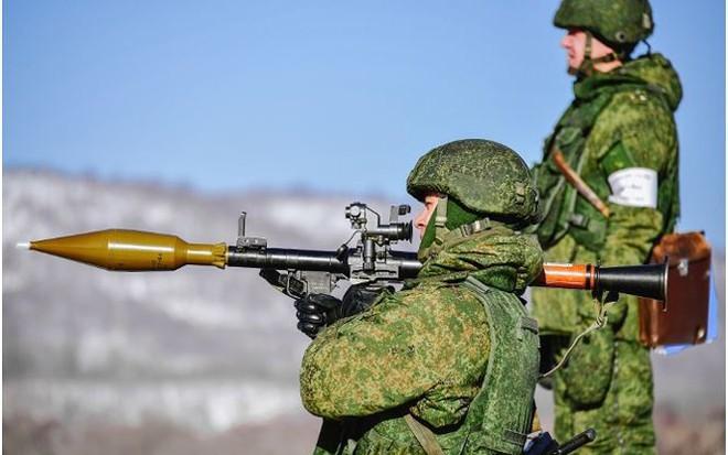 Điểm danh ba loại vũ khí Nga bán chạy nhất mọi thời đại - Ảnh 2.