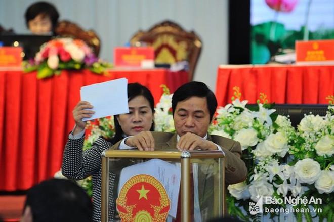 Chân dung tân Phó Chủ tịch tỉnh 44 tuổi của Nghệ An - Ảnh 3.