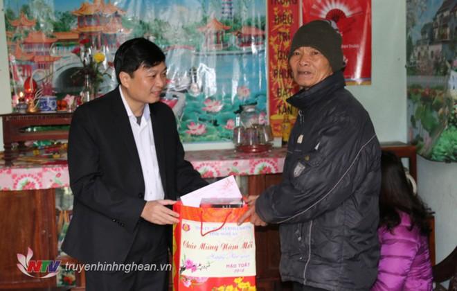 Chân dung tân Phó Chủ tịch tỉnh 44 tuổi của Nghệ An - Ảnh 7.