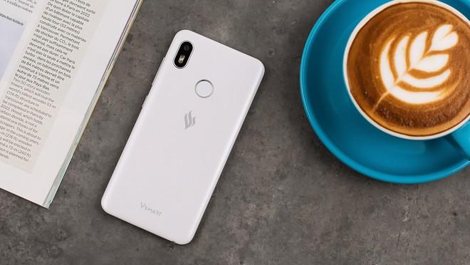 Thông tin chính thức về giá của 4 chiếc điện thoại Vsmart - Ảnh 1.
