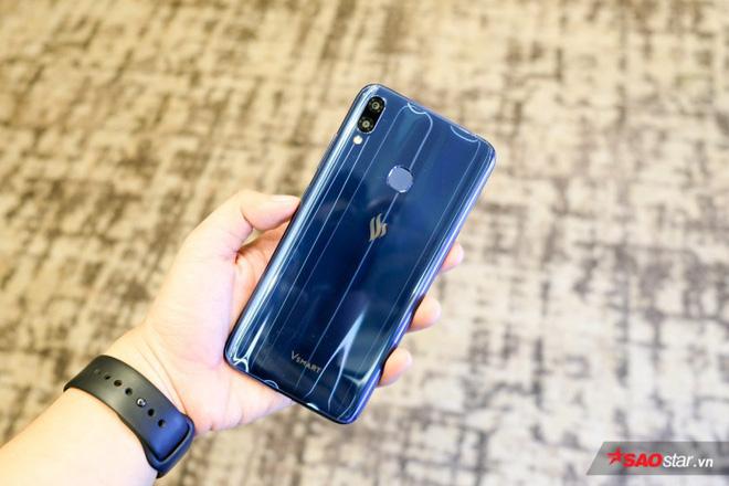 Trên tay Joy 1+ và Joy 1, hai chiếc smartphone ngon, bổ, rẻ của VSmart - Ảnh 6.