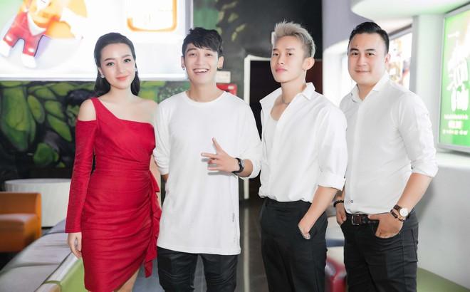 Băng Di và bạn trai đại gia chúc mừng Tronie, Kay Trần ra MV