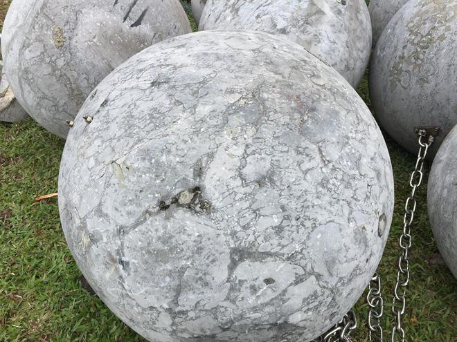 Cận cảnh 40 quả bóng xích sân Mỹ Đình chưa rõ số phận sau khi đội tuyển Việt Nam vô địch - Ảnh 5.