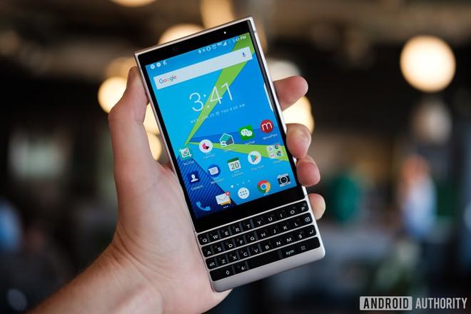 Top 5 smartphone bị nhìn nửa con mắt, đánh giá thấp và đáng tiếc nhất năm 2018 - Ảnh 1.