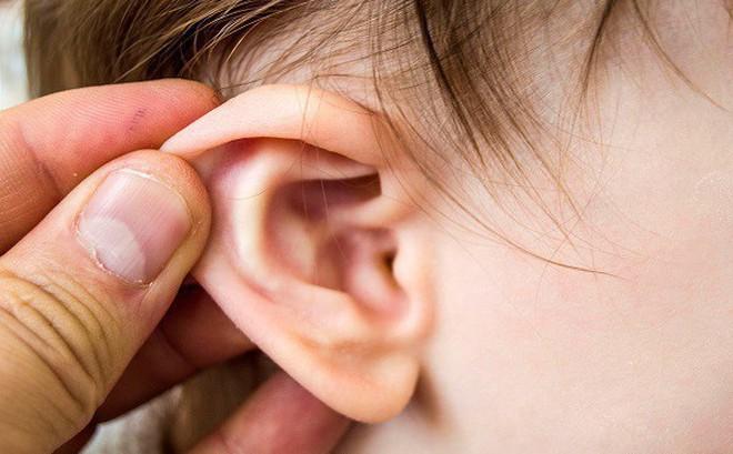 Viêm tai giữa cơn ác mộng của cha mẹ có con nhỏ: 3 sai lầm khiến bệnh càng thêm nặng