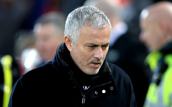 CHÍNH THỨC: Man United sa thải Mourinho, Carrick tạm nắm Quỷ đỏ