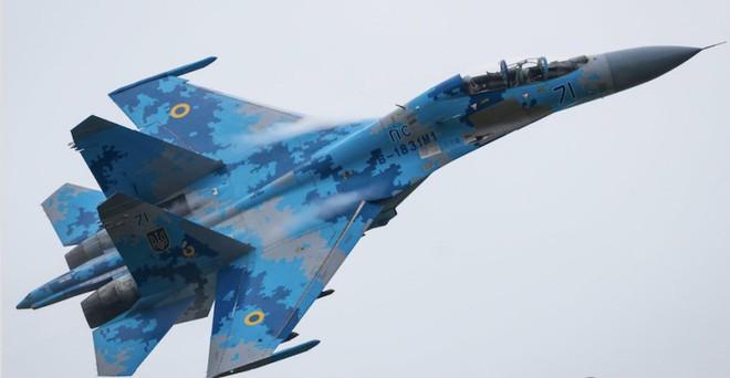 Cá Sấu Ka-52 ào ào tràn vào khai hỏa: Đòn mở màn cuộc chiến với Ukraine của Nga? - Ảnh 2.