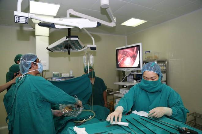 Cực hiếm gặp: Bệnh nhân có phủ tạng đảo ngược khiến bác sĩ toát mồ hôi - Ảnh 1.