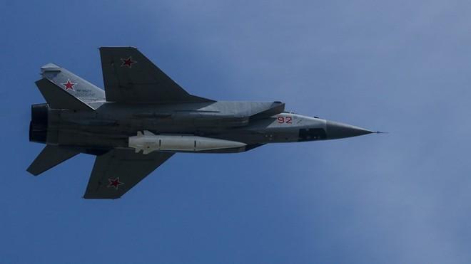 Mỹ thừa nhận vô phương ngăn chặn vũ khí siêu thanh của Nga - Ảnh 1.