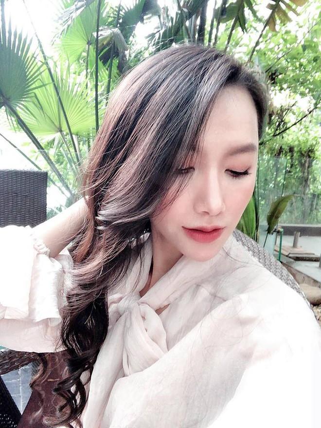 MC Minh Hà khẳng định không dao kéo, tiết lộ bí quyết giữ nhan sắc - Ảnh 4.