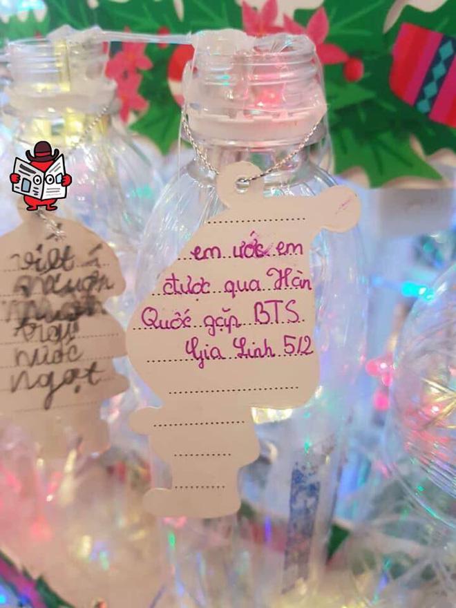 Những điều ước em nhỏ viết trên cây thông Noel khiến tất cả lặng người - Ảnh 3.