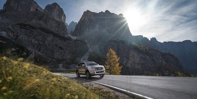 Chưa đầy 1 năm, mẫu ô tô này đã giảm giá hơn nửa tỷ đồng - Ảnh 8.