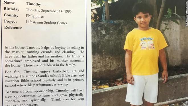 Cậu bé vô danh Philippines làm bạn với Tổng thống Mỹ suốt 10 năm mà không hay biết - Ảnh 1.