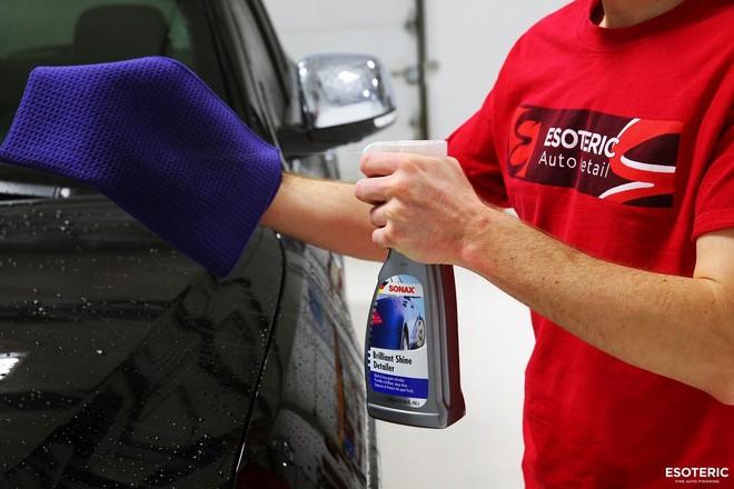 Những lưu ý khi tự mình rửa xe ô tô tại nhà - Ảnh 1.