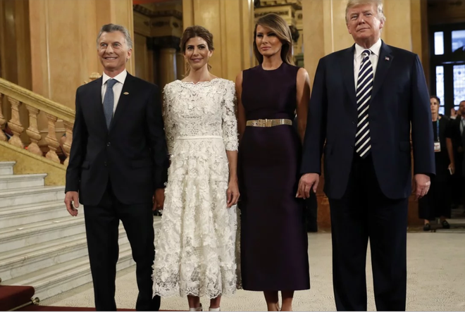 """Nóng cuộc """"đối đầu"""" thời trang của Đệ nhất Phu nhân Mỹ-Trung tại G20 - Ảnh 4."""
