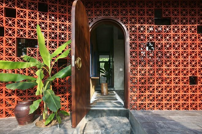 Căn nhà nắng chiếu khắp phòng tại Nam Định đẹp lung linh trên báo ngoại - Ảnh 11.