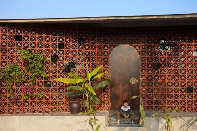 Căn nhà nắng chiếu khắp phòng tại Nam Định đẹp lung linh trên báo ngoại - Ảnh 5.